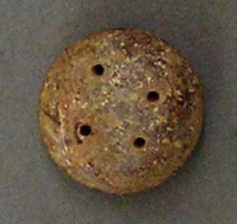 Bead or button (AN1927.906, record shot)