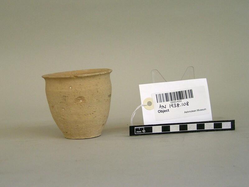 Ceramic pot (AN1938.108, record shot)