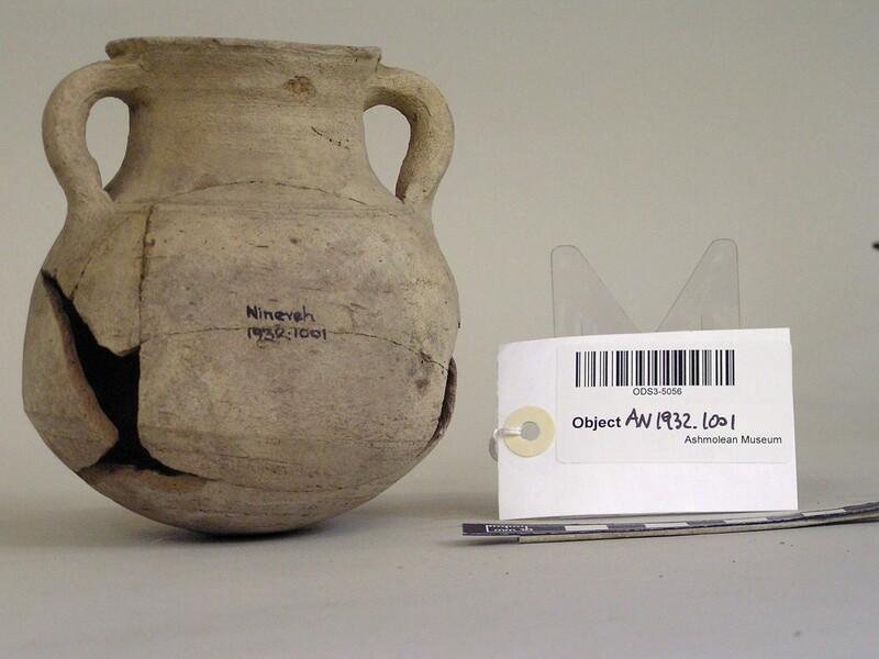Plain amphora