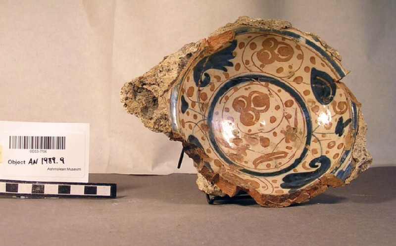 Bowl fragment, Valencian lustre ware (AN1989.9, record shot)