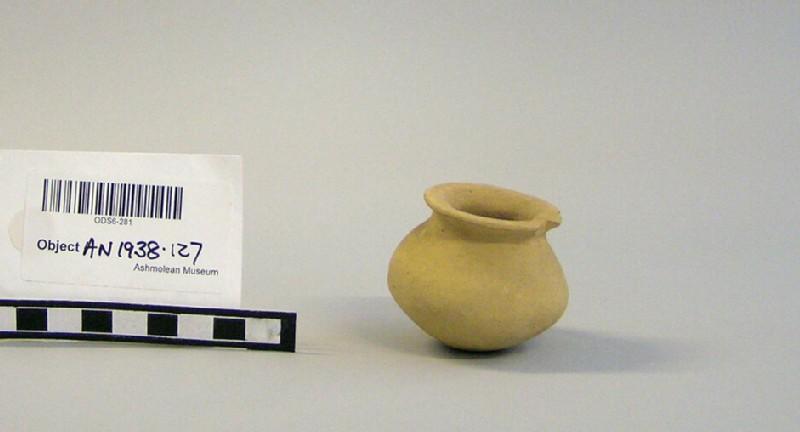 Baked clay jar (AN1938.127, record shot)