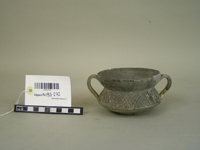 Two-handled vase of fine grey ware (AN1913.272, record shot)
