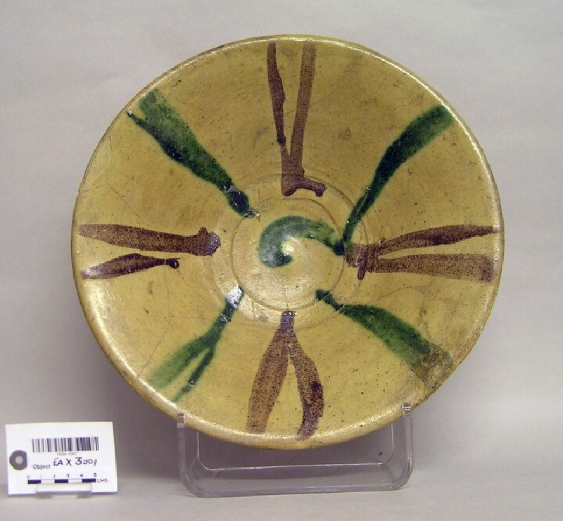 Bowl with polychrome lines