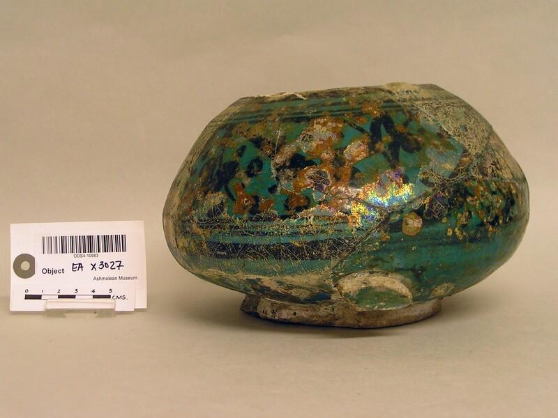 Mortar-shaped bowl