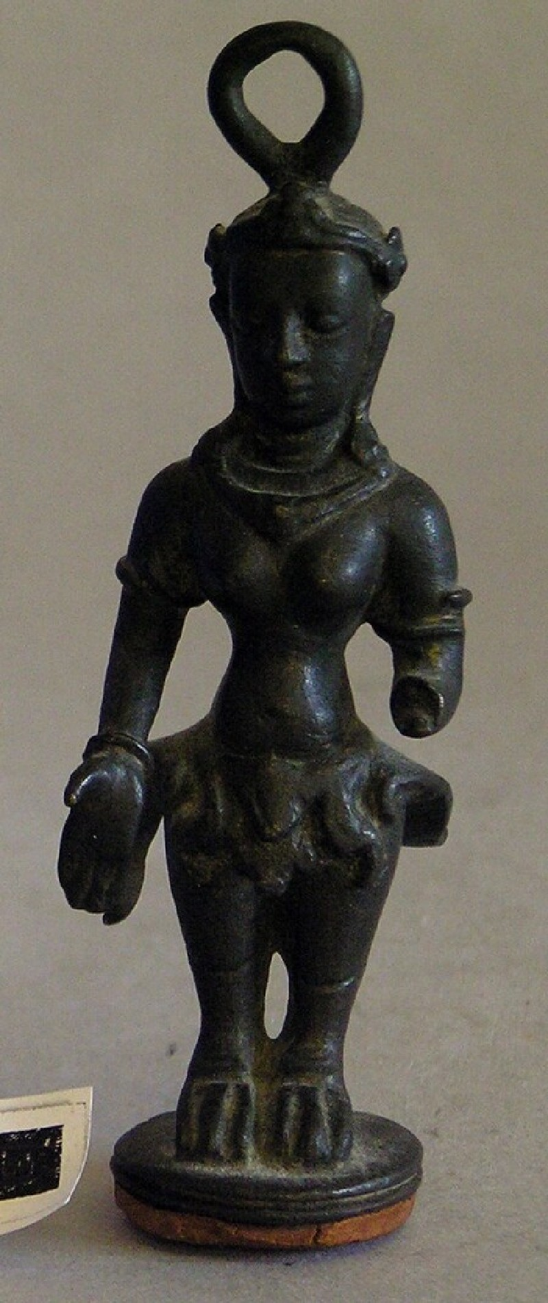 Asparas figure with ring for suspension