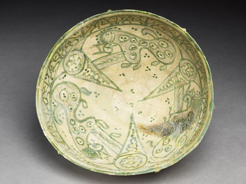 Bowl with three animals (EA1956.165, top            )