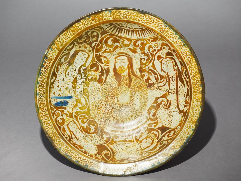 Dish with seated figure, a ruler or prince, and four women (EA1956.183, top            )