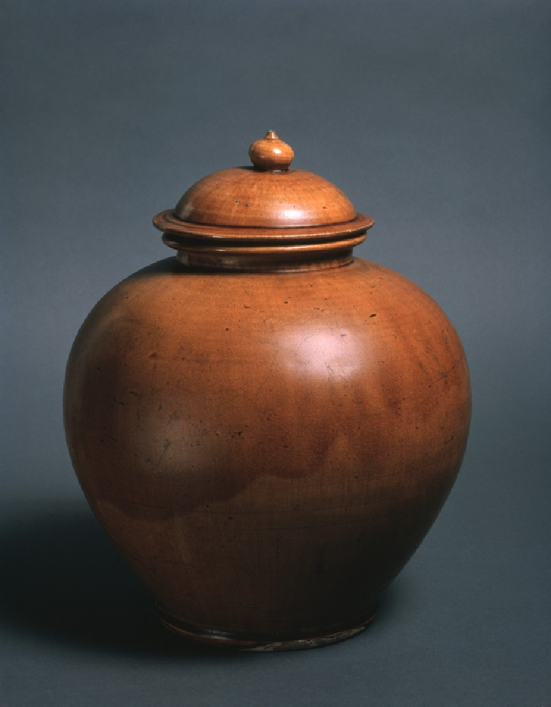 Lidded jar (oblique            )