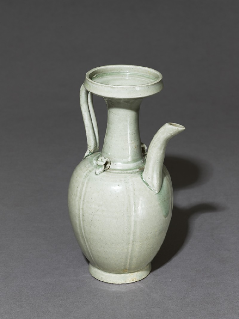 Greenware ewer with incised lines