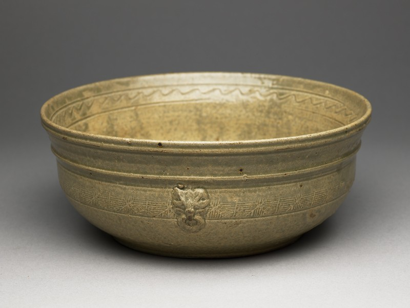 Greenware bowl with bands of decoration (oblique            )