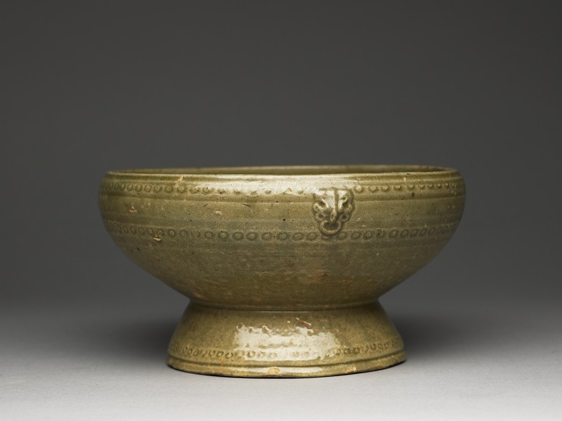 Greenware footed bowl