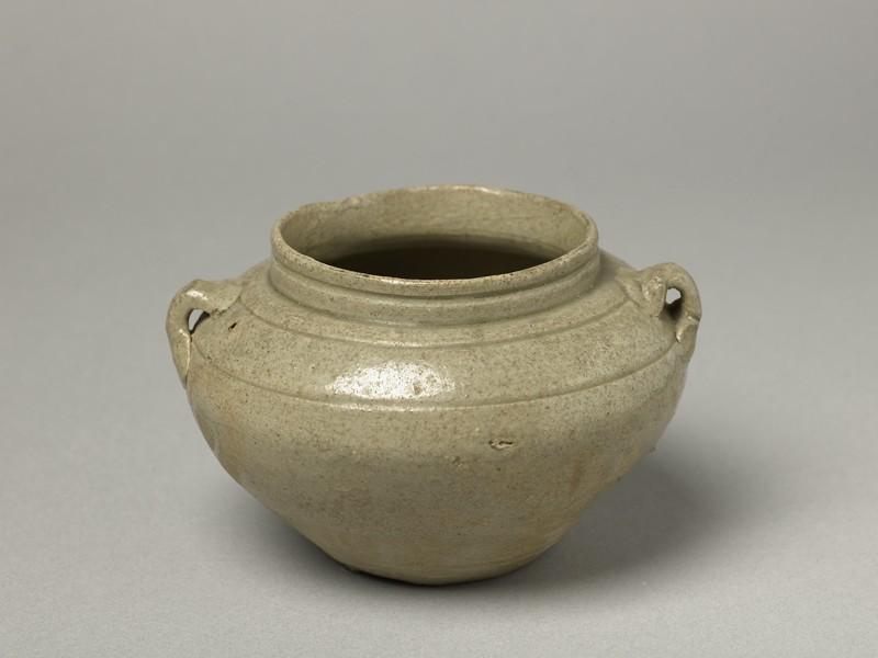 Greenware guan, or jar, with loop handles (oblique            )