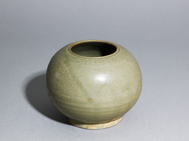 Greenware globular jar (EA1956.282, oblique            )
