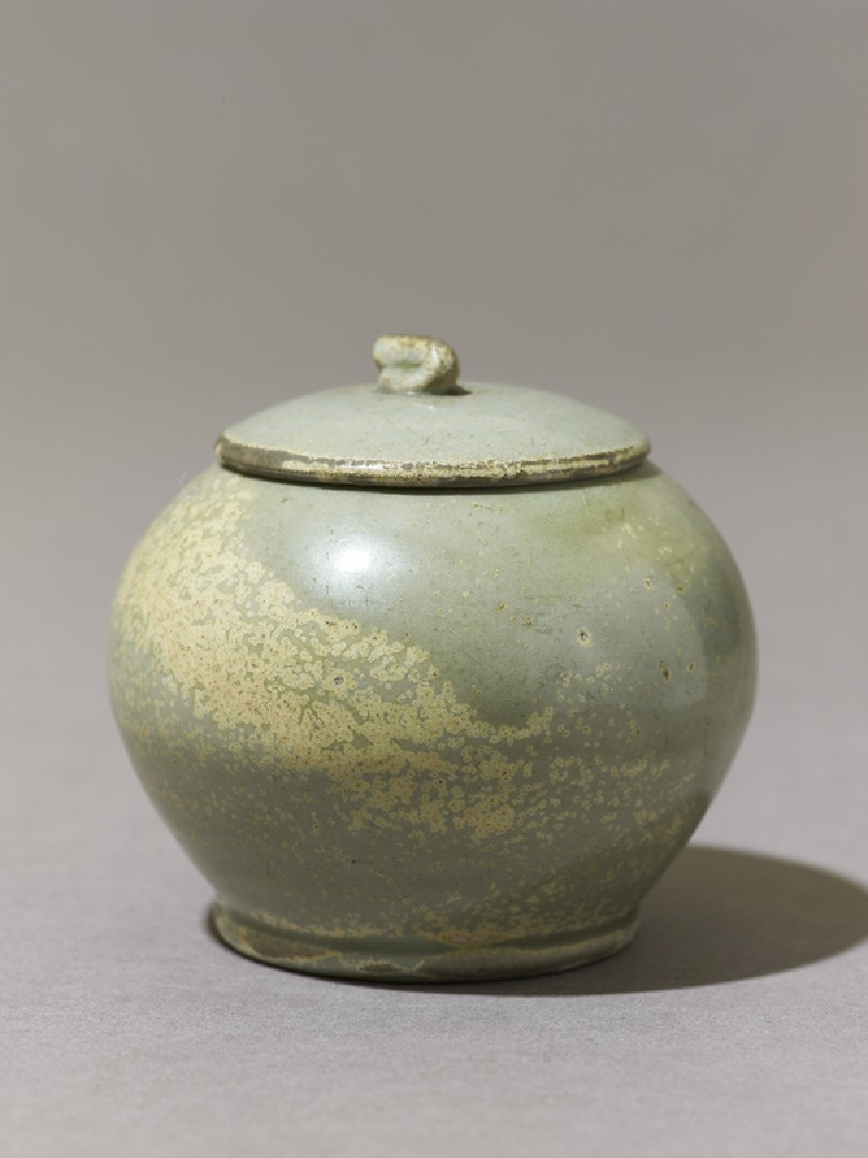 Globular greenware jar (EA1956.292, oblique            )