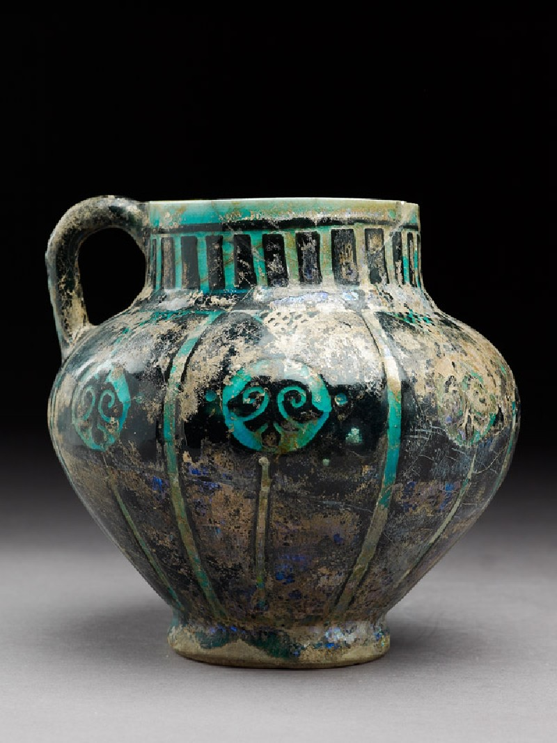 Jug with floral medallions (side           )