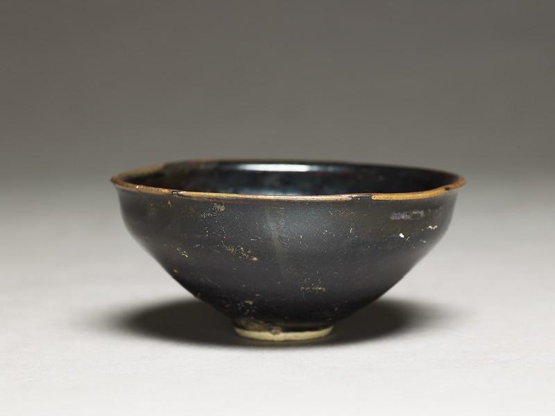 Tea bowl (EA1956.744, oblique            )