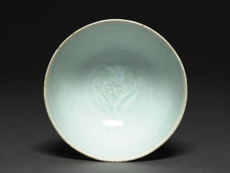 White ware bowl with flower