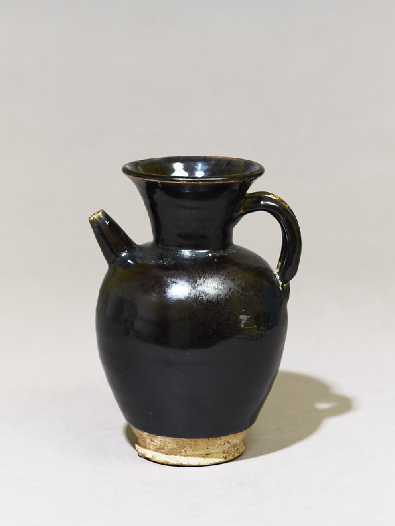Black ware ewer with iron glaze (EA1956.1107, oblique             )