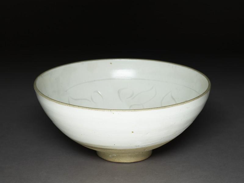 Bowl (EA1956.1305, oblique             )