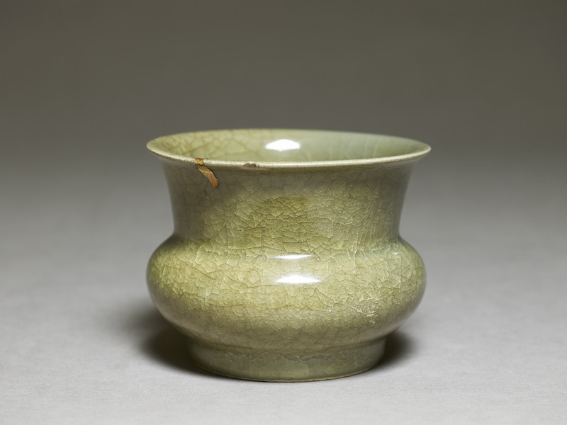Globular greenware jar (EA1956.1329, oblique             )