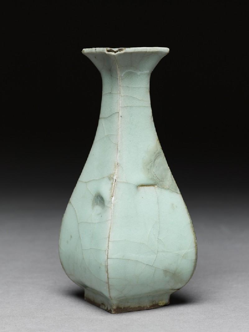 Greenware vase in the style of Guan ware (EA1956.1338, side             )