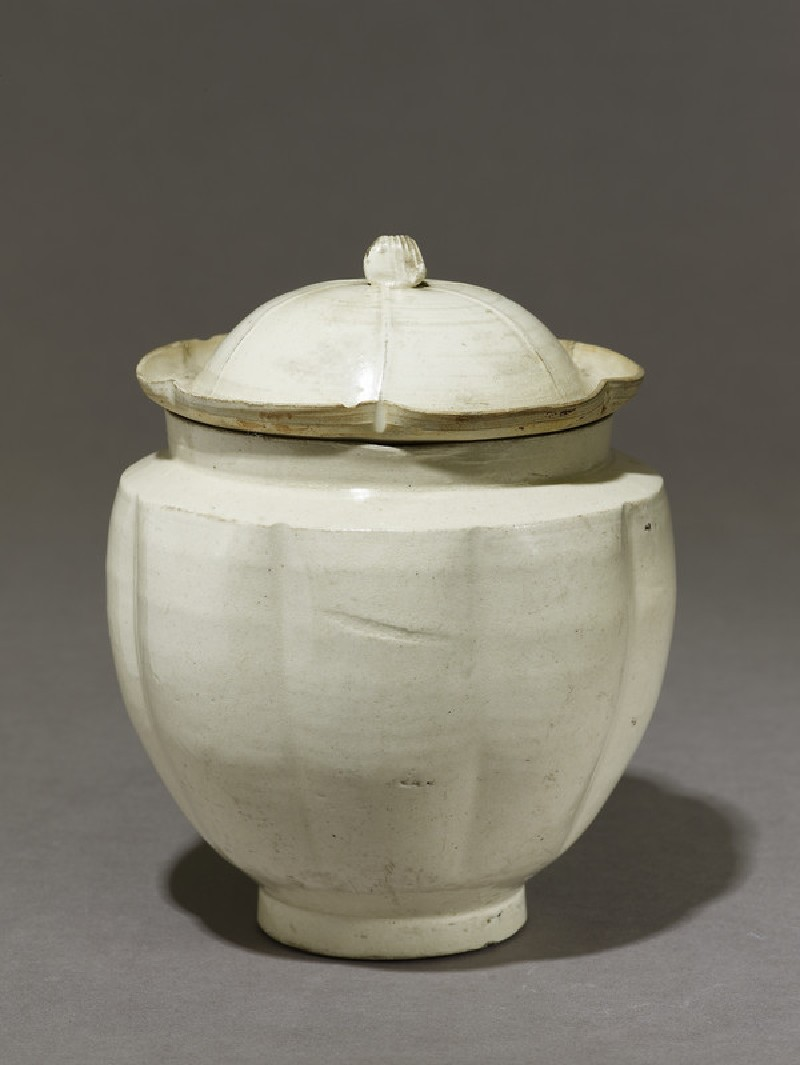 Jar and cover (EA1956.1370, oblique             )