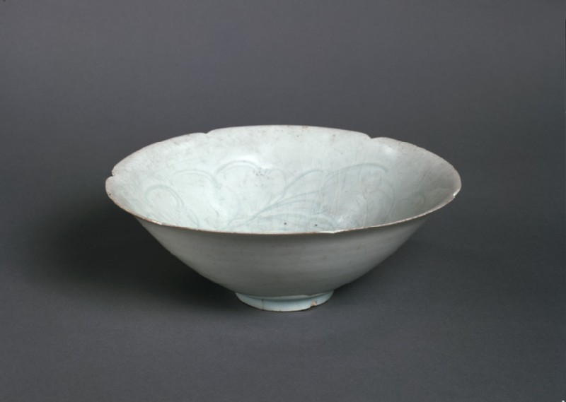 Bowl (EA1956.1415, oblique             )