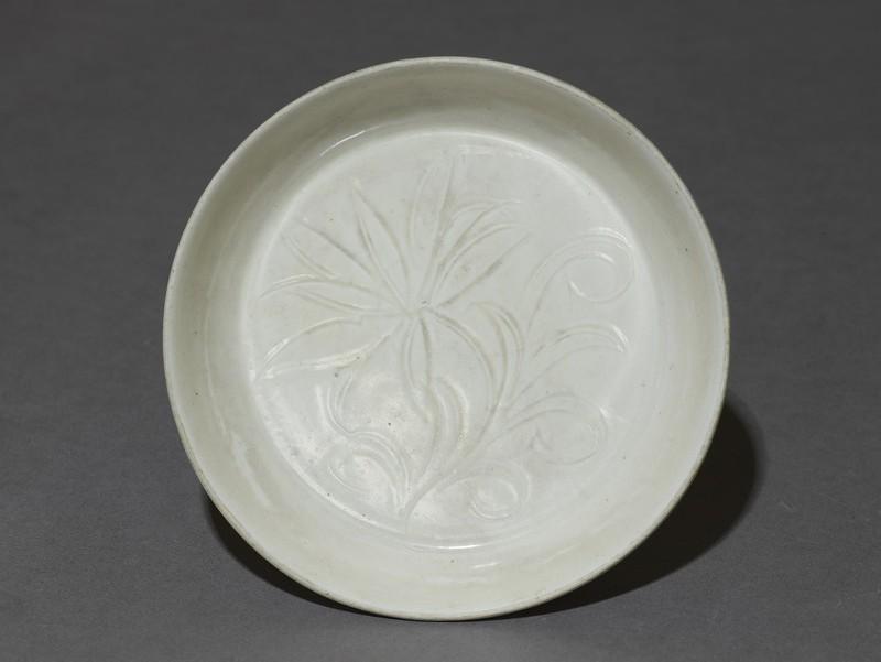 Dish (EA1956.1438, top             )