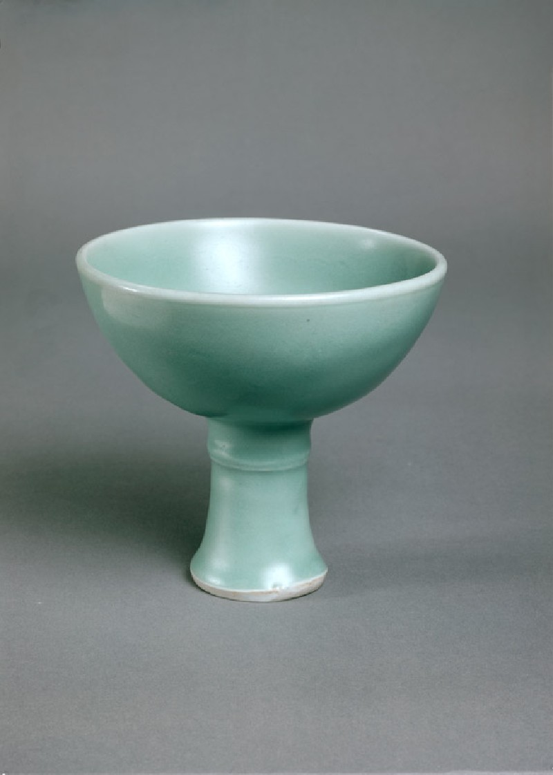 Greenware stem cup with single ridge (EA1956.3043, oblique             )