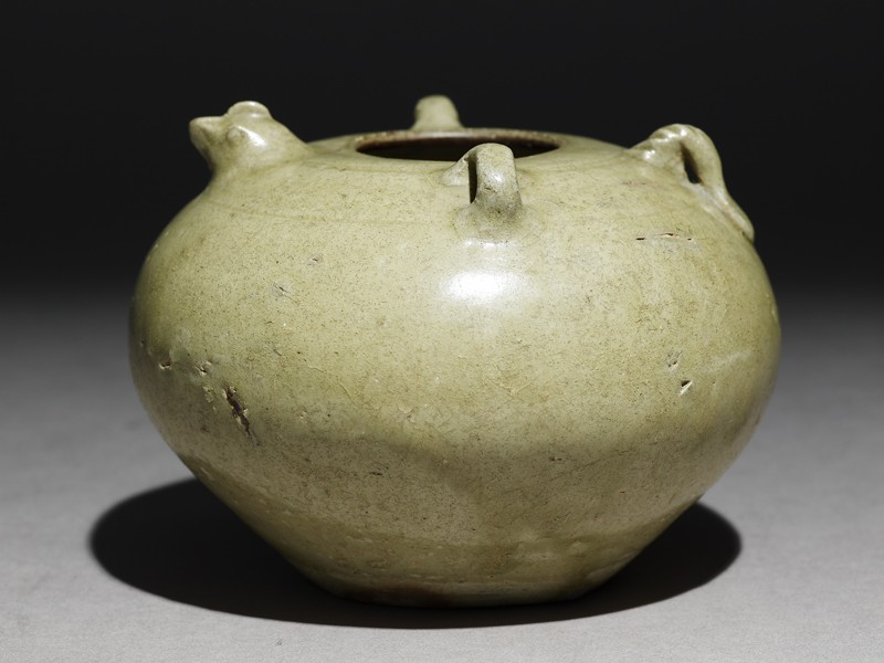Greenware jar with chicken head and tail (EA1956.3908, oblique             )