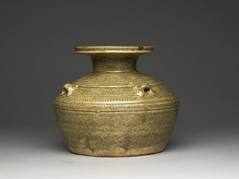Greenware vase, or hu, with dish-shaped mouth (side             )