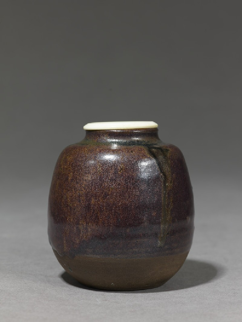 Tea jar, or chaire (side          )