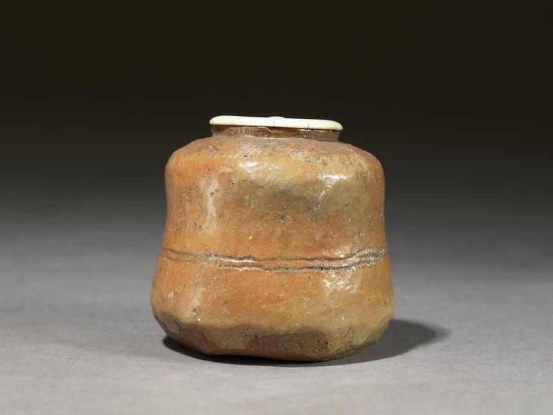 Raku-style tea jar, or chaire (EA1962.5, side          )