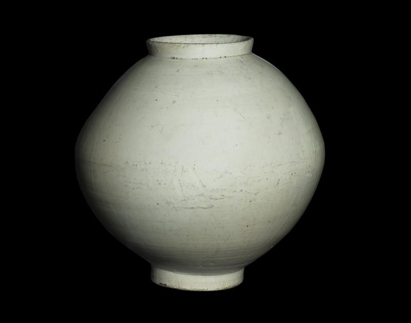 Moon jar with white glaze