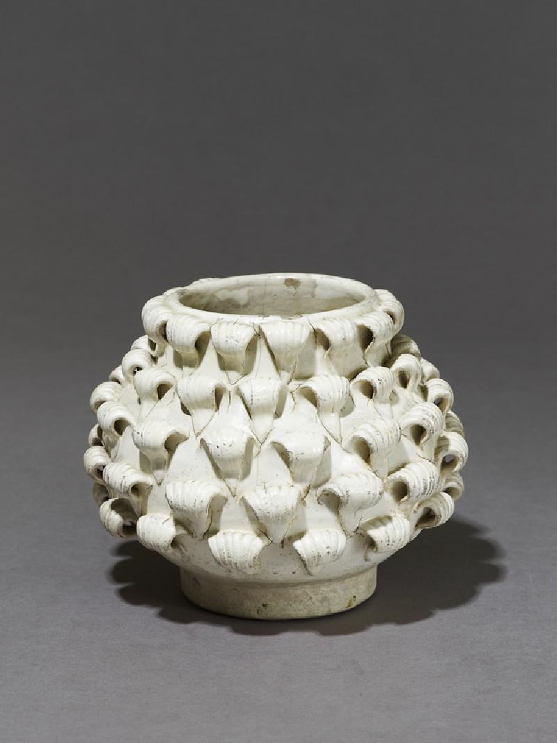 Cizhou type 'peony' jar (EA1966.162, oblique            )