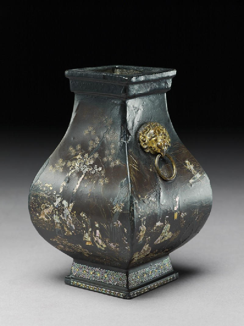 Square vase with flowers and figures (oblique            )