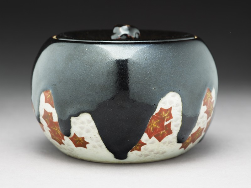 Mizusashi, or water jar, with maple leaves (EA1968.24, side           )