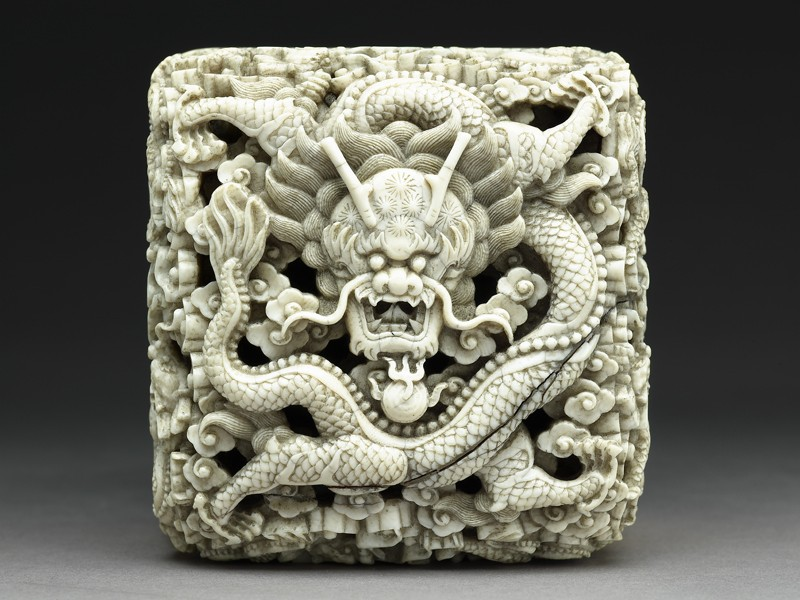 Ivory seal with dragon (EA1970.65, top           )