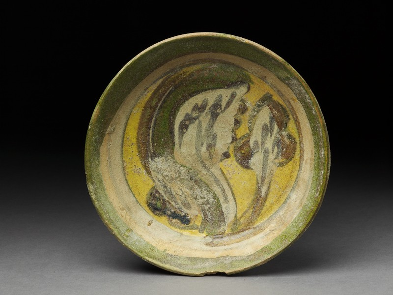 Dish with polychrome glazing
