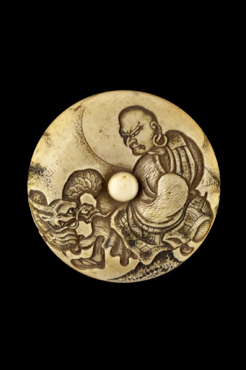 Manjū netsuke depicting the rakan, Handaka Sonja