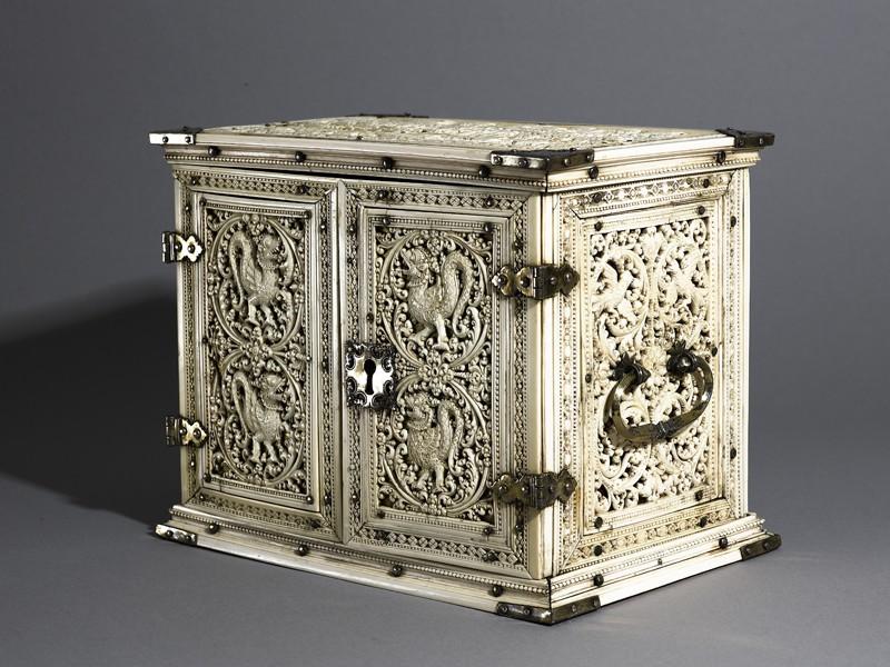 Ivory cabinet (EA1976.6, oblique          )