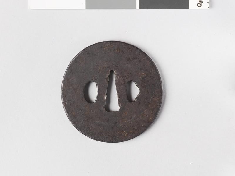 Round tsuba with plain design