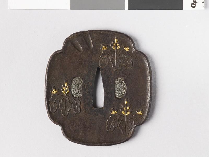 Mokkō-shaped tsuba with design of kirimon and dragonfly