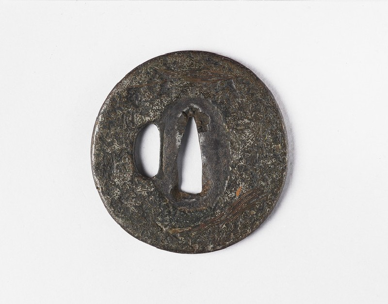 Round tsuba with no design (front            )