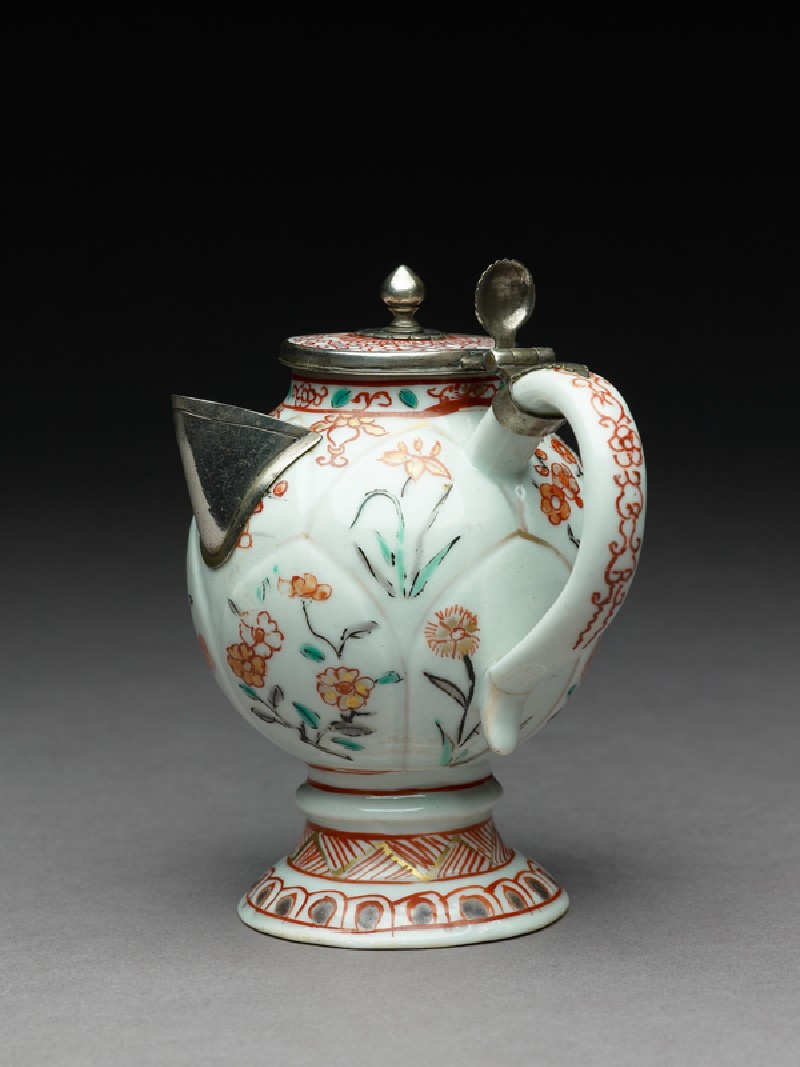 Mustard pot or jug with Dutch mounts