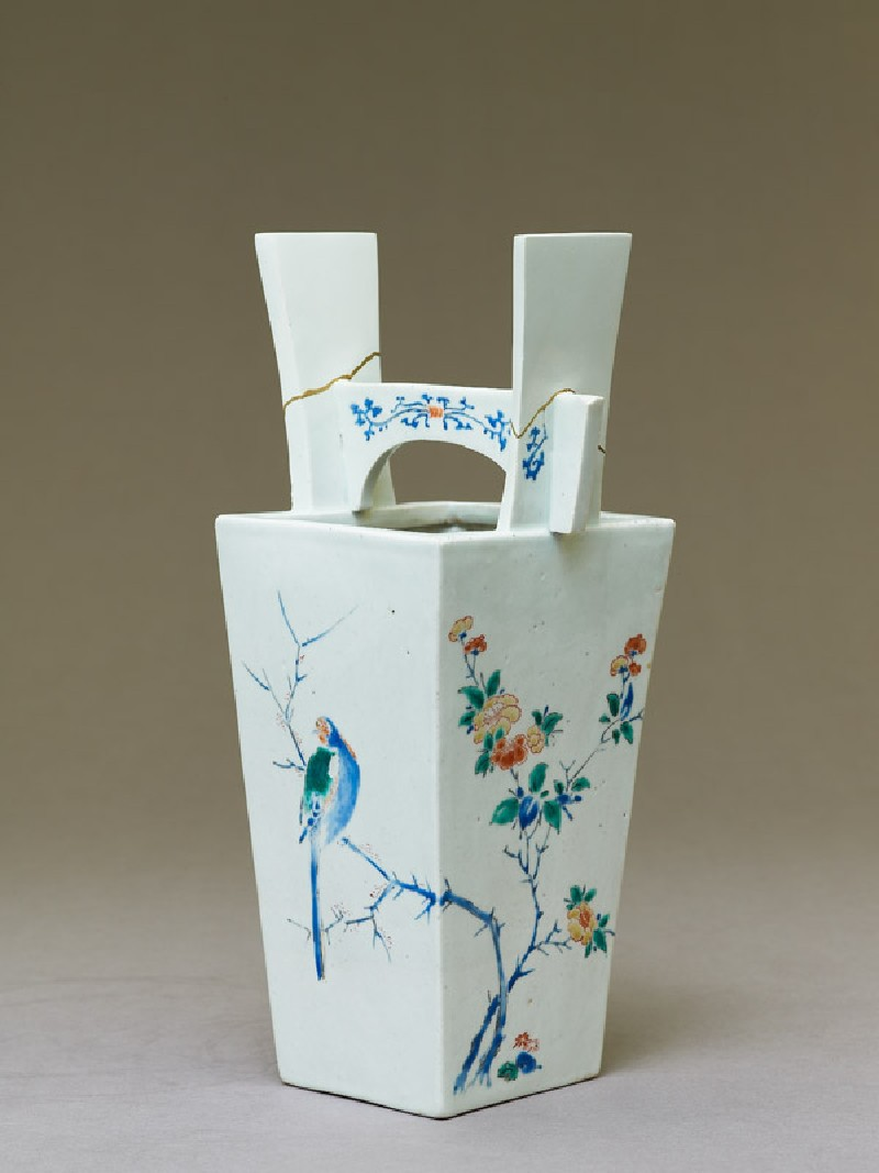 Vase with camellia tree and two birds (oblique            )