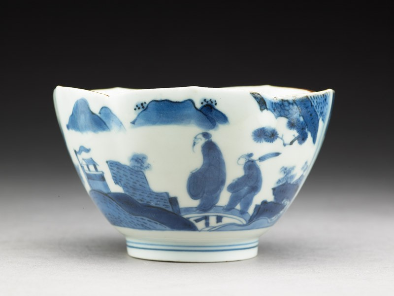 Petalled bowl with 'Deshima Island' theme (EA1978.738, side            )