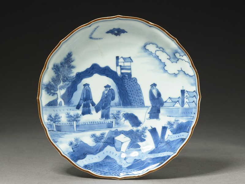 Foliated plate with 'Deshima Island' theme (top            )