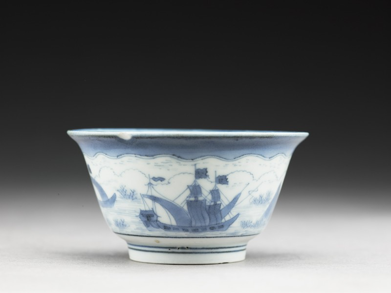 Cup with ships painted in the van Frijtom style (EA1978.790, side            )