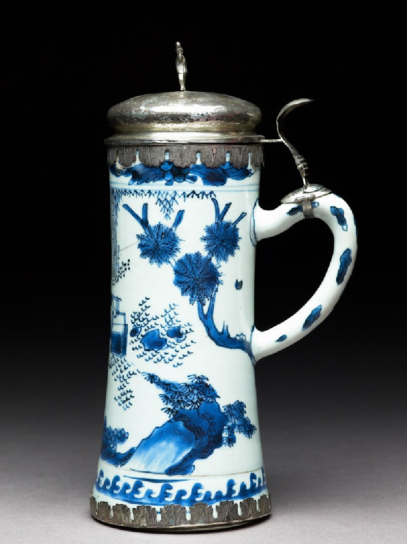 Blue-and-white tankard with European silver mounts (EA1978.803, side            )